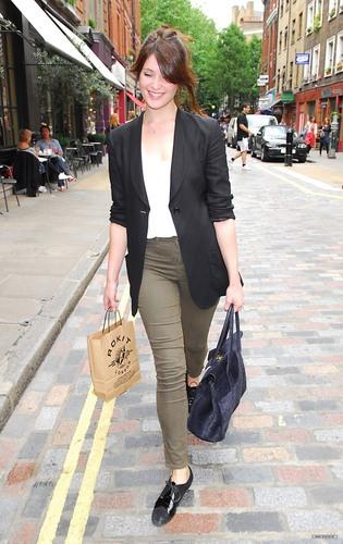 Gemma Arterton shopping in Convent Garden in london (August 7)