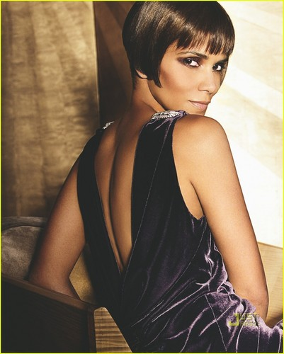 Halle Berry Covers VOGUE September 2010