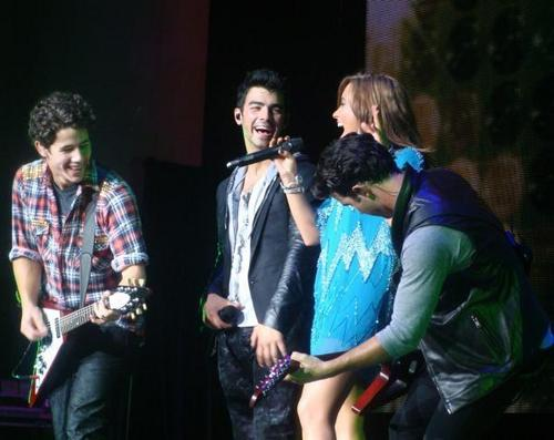 Jemi smile at each other < 3
