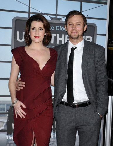 Jimmi Simpson, with wife Melanie Lynskey @ the Premiere of 'Up In The Air'
