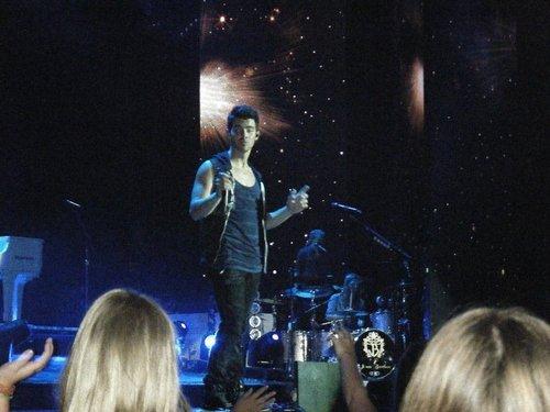 Jonas Brothers সঙ্গীতানুষ্ঠান
