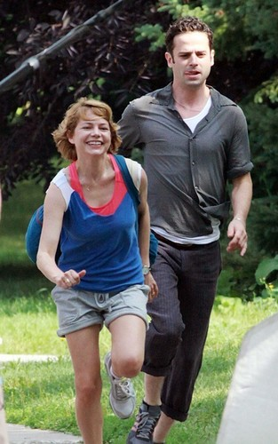 "Michelle Williams & Luke Kirby on the Set from ""TTW"""