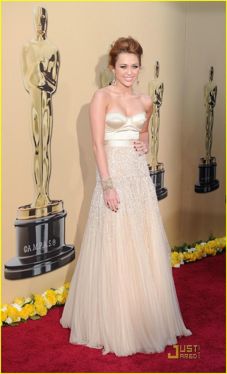 celebrity dresses Miley Cyrus