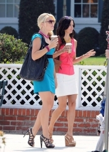 Cougar Town wallpaper called On The Set - 10th August 2010