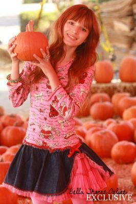 Renesmee at the pumkin patch