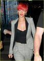 Rihanna: New Neck Tattoo!