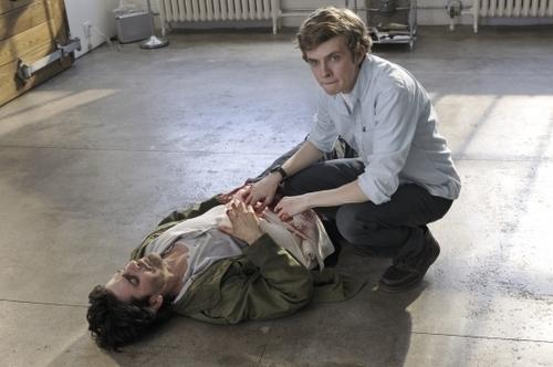 S01E03 – The Element of Surprise – Stills