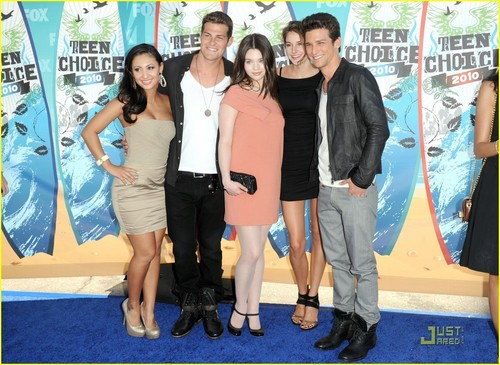 The Secret Life of the American Teenager Hintergrund titled Secret Life Cast At 2010 Teen Choice Awards