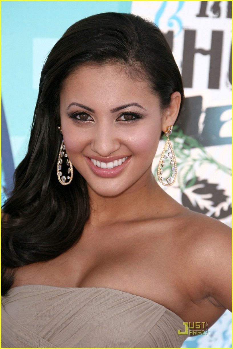 Secret Life Cast At 2010 Teen Choice Awards