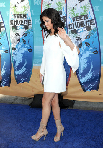Selena @ 2010 Teen Choice Awards