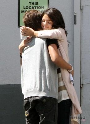 Selena arriving @ Disney Lot