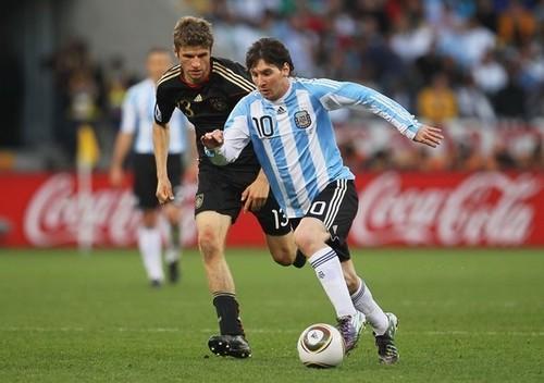 Alemania y Argentina buscan hoy el boleto a octavos de final