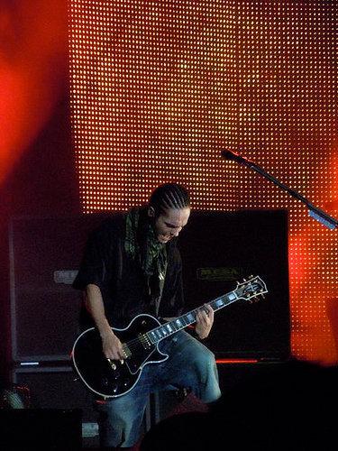 Tom Rockeando!!