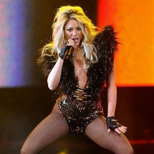 Shakira black hot