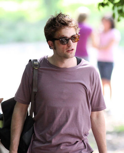 ...robert pattinson...