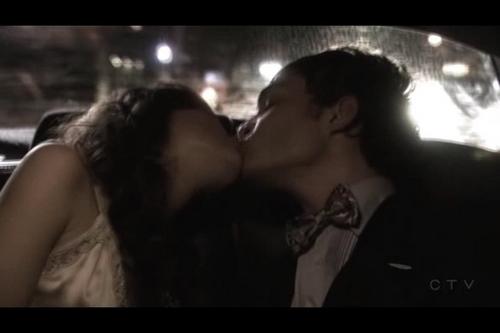 Blair & Chuck hình nền titled 1x07-Victor Victrola