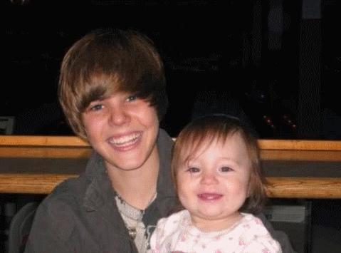http://images2.fanpop.com/image/photos/8500000/Justin-Bieber-Personal-justin-bieber-8571421-479-355.jpg