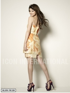 Selena Gomez Photoshoot 2011 on Selena Gomez Photoshoot 2011 Selena Gomez Photoshoot 2011