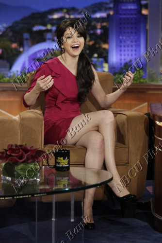 Selena On The Tonight دکھائیں With Conan O'Brien <3