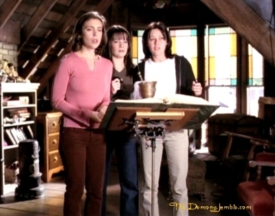 Сезон 1 - Page 3 That-70-s-episode-charmed-8557646-400-315