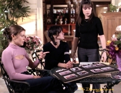Сезон 1 - Page 3 That-70-s-episode-charmed-8557681-400-309