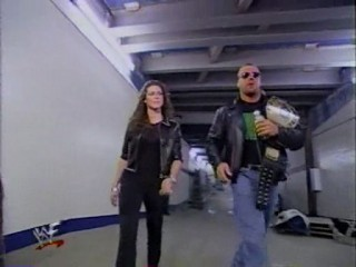 Triple H & Stephanie McMahon - triple-h-and-stephanie-mcmahon Photo