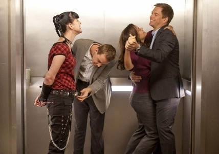 Behind The Scenes of NCIS - michael-weatherly-cote-de-pablo Photo