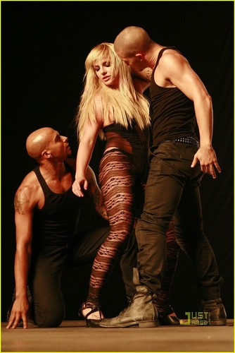 "Britney on set ""3"" musique Video"