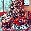 http://images2.fanpop.com/image/photos/8600000/Christmas-3-christmas-8628792-100-100.jpg