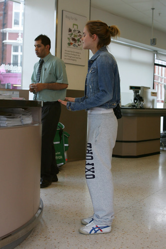 Emma Watson: At Waitrose in Finchley with ibon ng dyey Barrymore [07.15.09]
