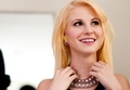 Hayley Williams goes blond!