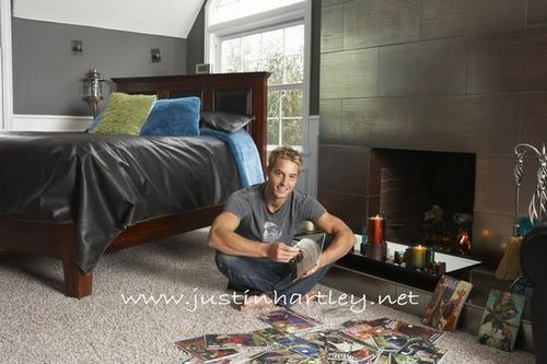 Justin Hartley wallpaper with a family room, a living room, and a antro, den called Justin Hartley
