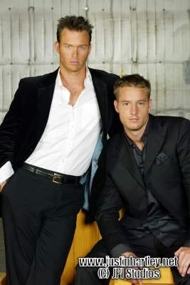 Justin Hartley fond d'écran containing a business suit, a suit, and a well dressed person entitled Justin Hartley