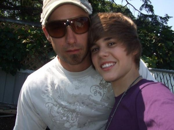justin bieber dad and mom. Justin Bieber singing Will