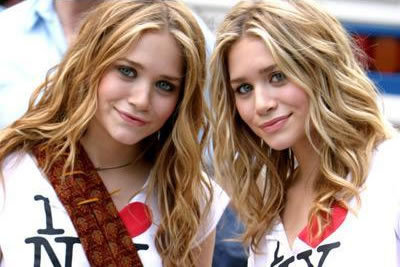 Mary-Kate & Ashley Olsen wallpaper containing a portrait entitled Mary-Kate & Ashley Olsen
