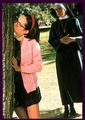 Mary kissing a tree - superstar-movie photo