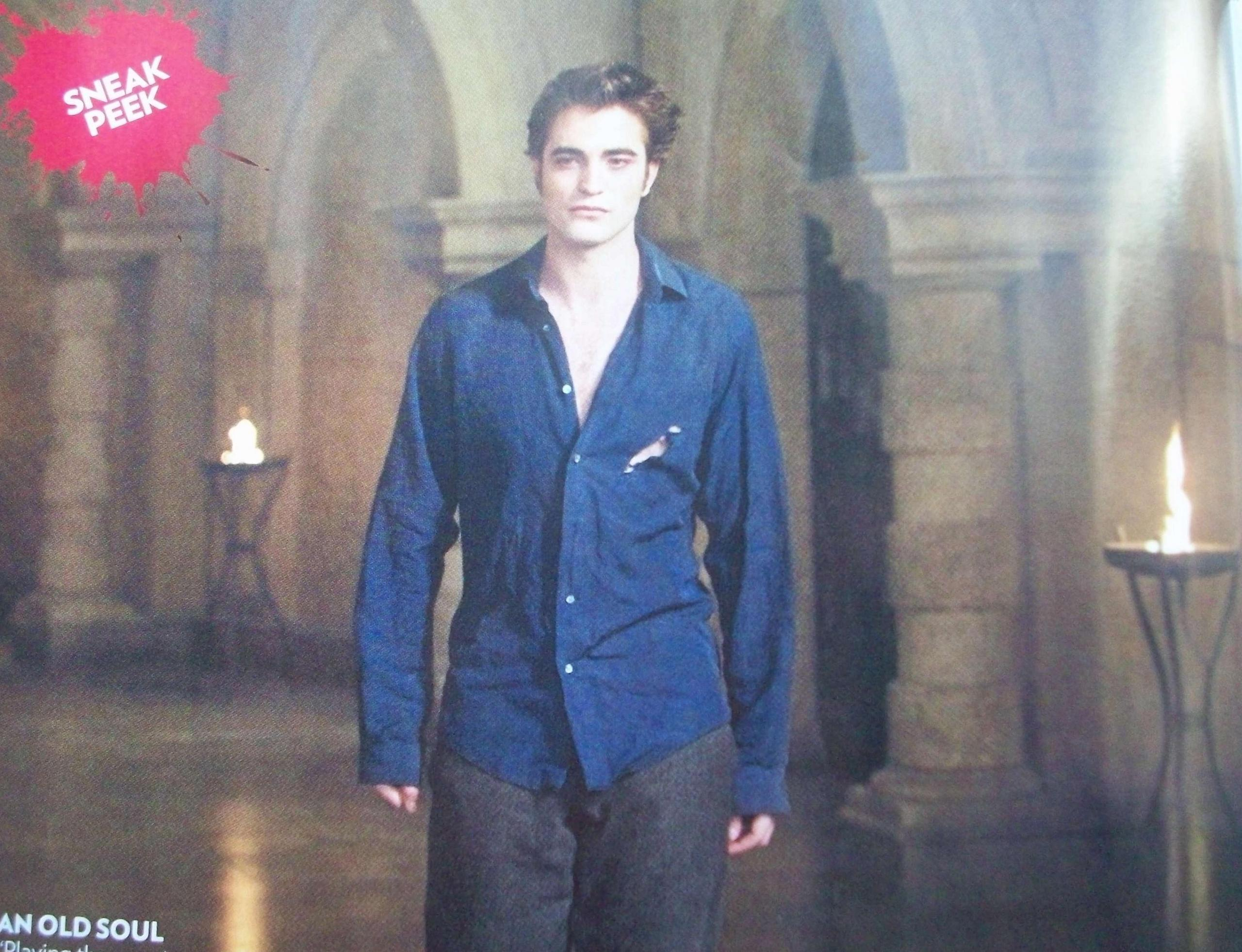 thêm Stills from New moon (People Mag Issue)