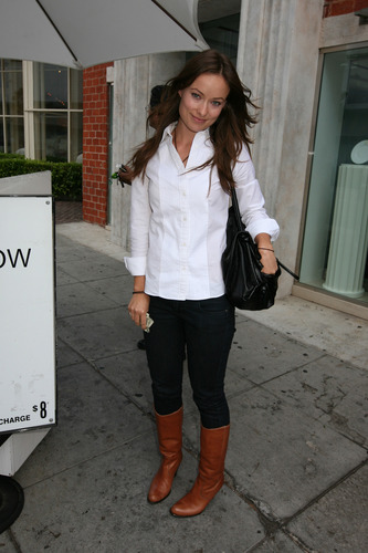 Olivia Wilde in Beverly Hills (9 October 2009)