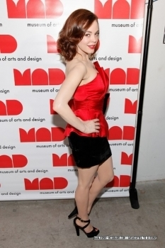 Rose attending and co-hosting the 2009 MAD Paperball Gala