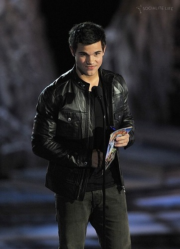 Taylor - 2009 Spike TV Scream Awards