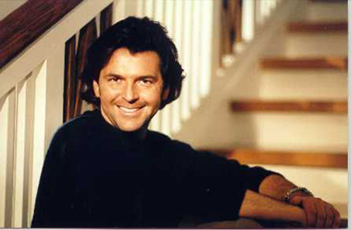 Modern Talking achtergrond with a reading room and a holding cell titled Thomas Anders