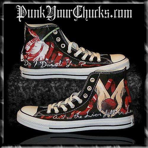 Twilight Converse Sneakers painted door www.punkyourchucks.com artist MAG