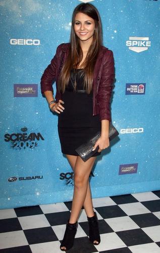 Victoria @ Scream Awards