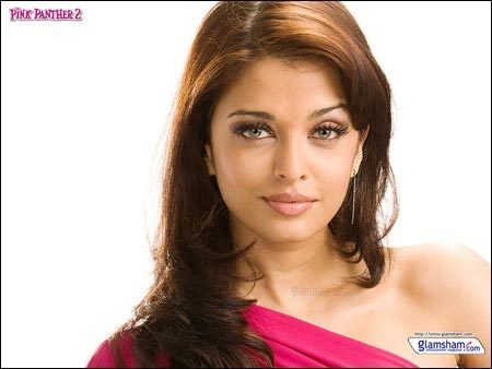 Aishwarya Rai kertas dinding containing a portrait and attractiveness called aish