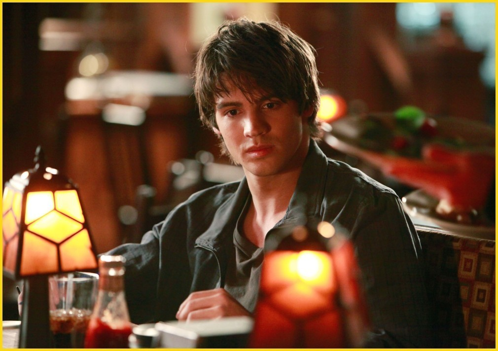 http://images2.fanpop.com/image/photos/8700000/1-09-history-repeating-episode-stills-the-vampire-diaries-tv-show-8782148-1010-712.jpg