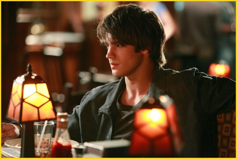 http://images2.fanpop.com/image/photos/8700000/1-09-history-repeating-episode-stills-the-vampire-diaries-tv-show-8782274-1010-676.jpg