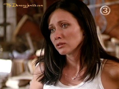 Prue Halliwell wallpaper with a portrait and attractiveness called 2x08 P3H2O***