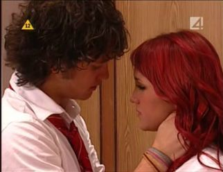 http://images2.fanpop.com/image/photos/8700000/Diego-and-Roberta-rebelde-8737397-322-248.jpg