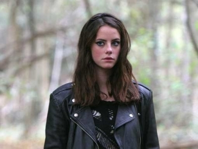 Effy Stonem Обои possibly containing a гороховый, горох jacket, an overgarment, and a well dressed person called Effy S.