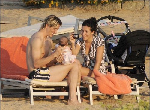 Fernando Torres 壁紙 called Fernando, Olalla, & bb Nora